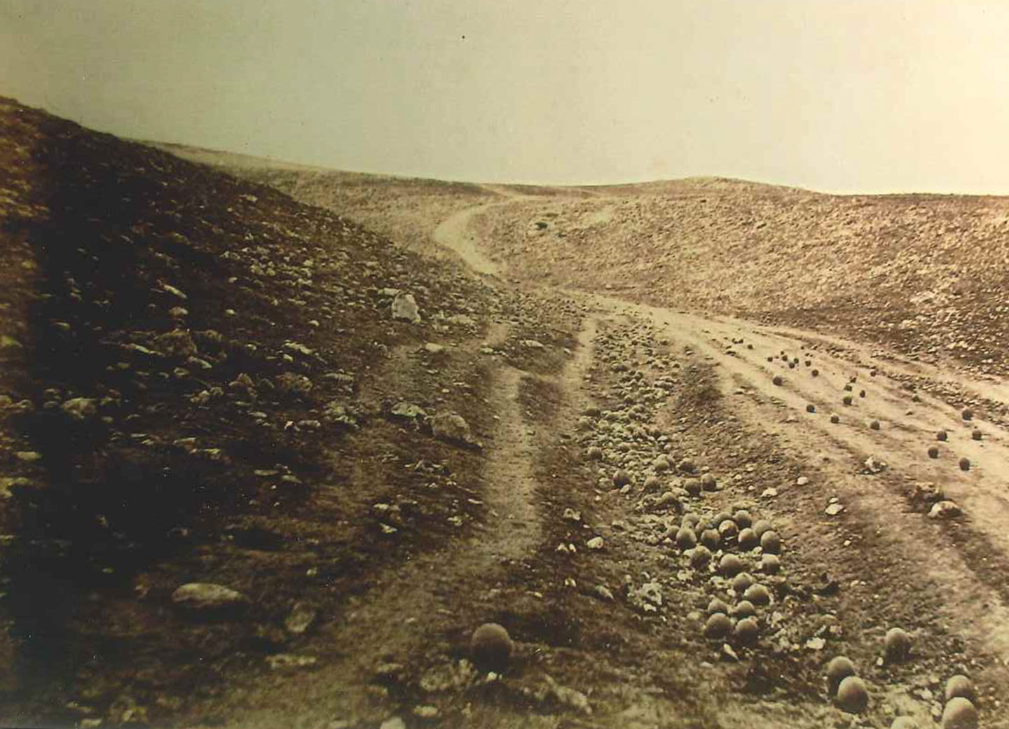 Roger Fenton, Shadow of the Valley of Death, 1855