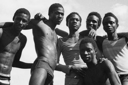 A la plage, 1974 by Malick Sidibé. Courtesy Galerie MAGNIN-A, Paris