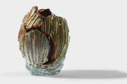 Glass sculpture Yobitsugi 'Benihomura', 2018, Yukito Nishinaka, Glass, Silver leaf, 28.5 x 20.5 x 20 cm, Katie Jones Japan