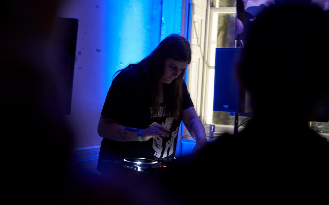 Ziúr performs at ASSEMBLY 2018 at Somerset House