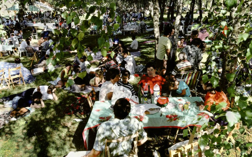 Harry Gruyaert. Spain, Extremadura. The Picnic, 1998.